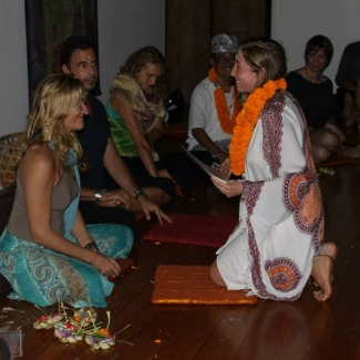 "Yoga Teacher Training at the Yoga Barn<br/><span class=""loc-g""><i class=""fa fa-map-marker"" aria-hidden=""true""></i> Ubud, Bali</span><br/><span class=""date-g""><i class=""fa fa-calendar"" aria-hidden=""true""></i> April 5 - May 2 2015</span>"